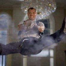 Un'immagine di Jude Law dallo sci-fi Repo Men