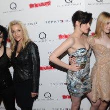 Foto doppia, alla premiere newyorkese del film The Runaways, 17 marzo 2010