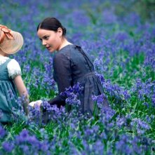 Abbie Cornish e Edie Martin in una scena del film Bright Star