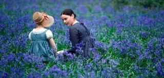 Abbie Cornish e Edie Martin in una scena del film Bright Star