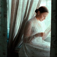 Abbie Cornish in un'immagine del film Bright Star