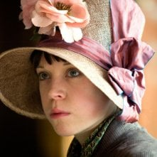 Antonia Campbell-Hughes in un'immagine del film Bright Star