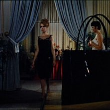 Ariana Gorini e Claude Dantes in una scena del film Sei donne per l\'assassino (1964)