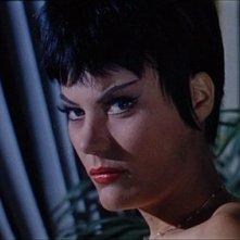 L'attrice Claude Dantes in una scena del film Sei donne per l'assassino