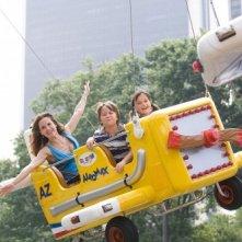 Ella Bleu Travolta, Conner Rayburn e Kelly Preston in un'immagine del film Daddy Sitter