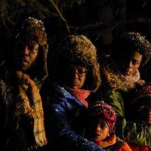 Lucien Jean-Baptiste, Firmine Richardi, Jimmy Woha, Ludovic François e Loreyna Colombo in una scena del film La première étoile