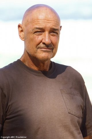 Terry O'Quinn nell'episodio The Package di Lost