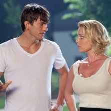 Una sequenza del film Killers con i due protagonisti principali: Ashton Kutcher e Katherine Heigl