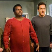 Clark Duke, Craig Robinson, John Cusack e Rob Corddry in una scena di Hot Tub Time Machine