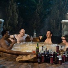 Craig Robinson, Rob Corddry, John Cusack e Clark Duke in una scena di Hot Tub Time Machine