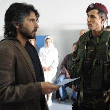 Luca Lionello e Maurizio Merli ina una scena del film Le ultime 56 ore