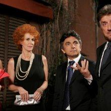 Nancy Brilli, Orsetta De Rossi,Vincenzo Salemme e Gigi Proietti in una scena de La vita è una cosa meravigliosa