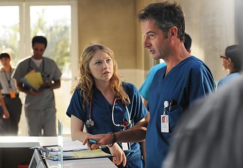 Elisabeth Harnois E Jeremy Northam Nell Episodio 88 Seconds Di Miami Medical 151441