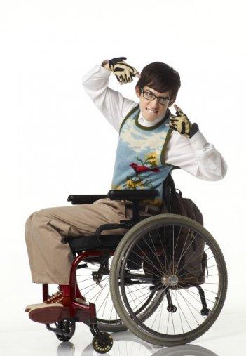 Glee: Kevin McHale interpreta Artie