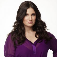 Idina Menzel è Shelby nella serie Glee