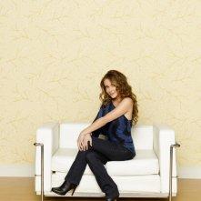 Romantically Challenged: Alyssa Milano posa in una immagine promozionale della serie