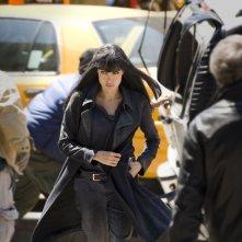 Angelina Jolie è Evelyn in versione mora per una sequenza del film Salt