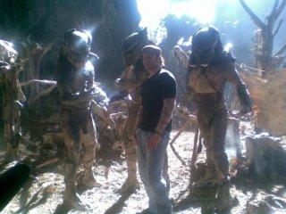 Robert Rodriguez e i Predators (2010) sul set del film