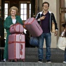 Abraham Leber, Irène Herz, Jonathan Zaccaï e Nassim Ben Abdeloumen in un'immagine del film Simon Konianski