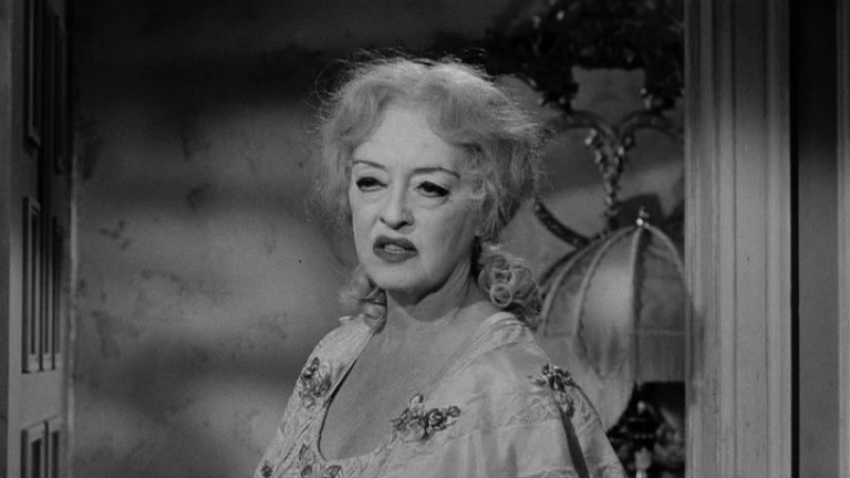 Bette Davis in una scena del film Che fine ha fatto Baby Jane?