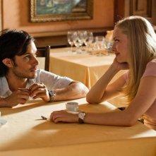 Gael Garcia Bernal e Amanda Seyfried nel film Letters to Juliet, del 2010