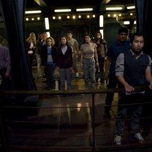 Parte dell'equipaggio, Jennifer Spence e Vanessa James in una scena dell'episodio Space di Stargate Universe
