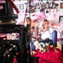 Cecilia Albertini sul set del film Piazza Giochi
