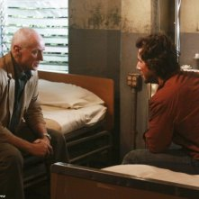 Henry Ian Cusick ed Alan Dale nell'episodio Happily Ever After di Lost