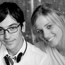 Il regista Marco Costa con Laura Adriani sul set del film Piazza Giochi