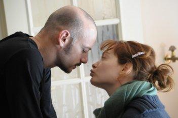 Filippo Nigro e Cristiana Capotondi nel film Dalla vita in poi