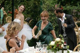 Margherita Buy, Francesca Inaudi, Luciana Littizzetto e Fabio Volo in una scena del film Matrimoni e altri disastri