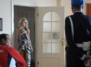 Un'irriconoscibile Nicoletta Romanoff nel film Dalla vita in poi