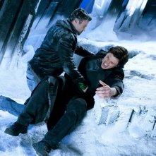 The Blur (Tom Welling) viene ferito da Metallo (Brian Austin Green) nell'episodio Upgrade di Smallville
