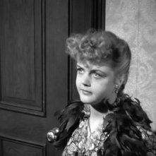 Una giovane Angela Lansbury in una scena del film Angoscia