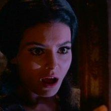 Daliah Lavi spaventata in una scena del film La frusta e il corpo (1963)