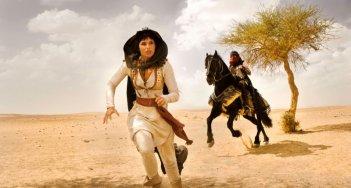 Gemma Arterton e Jake Gyllehaal in una scena di Prince of Persia: Le sabbie del tempo