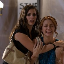 Haley Webb e Shantel Vansanten nell'horror The Final Destination 3D