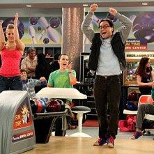 Kaley Cuoco e Johnny Galecki nell'episodio The Wheaton Recurrence di The Big Bang Theory