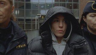 Lisbeth (Noomi Rapace) nella scena del penitenziario nel film La regina dei castelli di carta