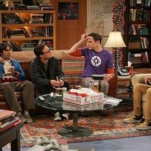 The Big Bang Theory: Johnny Galecki, Simon Helberg, Kunal Nayyar e Jim Parsons nell'episodio The Spaghetti Catalyst