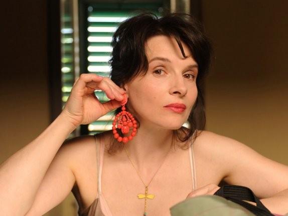 Un'immagine di Juliette Binoche dal film Copia conforme