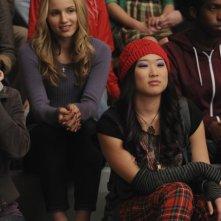 Dianna Agron e Jenna Ushkowitz nell'episodio The Power of Madonna di Glee