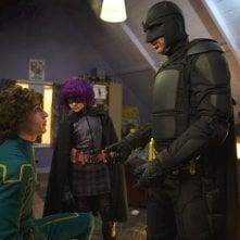 Aaron Johnson, Nicolas Cage e Chloe Moretz in una scena di Kick-Ass