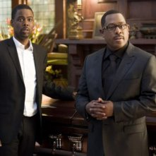 Columbus Short e Tracy Morgan in una scena della commedia Festa col morto