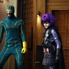Kick-Ass (Aaron Johnson) e Hit-Girl (Chloe Moretz) in azione nel film Kick-Ass