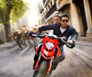 Una fuga in moto spagnola per Cameron Diaz e Tom Cruise, protagonisti di Innocenti bugie