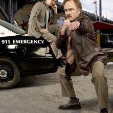 Colin Hanks e Bradley Whitford in una immagine promozionale della serie The Good Guys