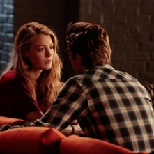 Serena (Blake Lively) parla con Nate (Chace Crawford) in un momento dell'episodio Dr. Strangeloved di Gossip Girl