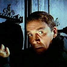 Cameron Mitchell in una scena del thriller Sei donne per l\'assassino