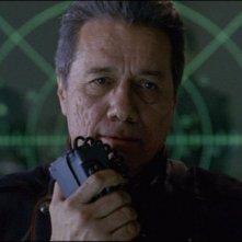 Edward James Olmos nel film Battlestar Galactica